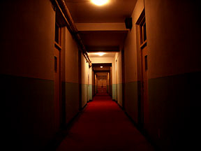 Dark_hallway