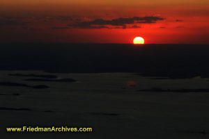 Sunset from plane horizontal